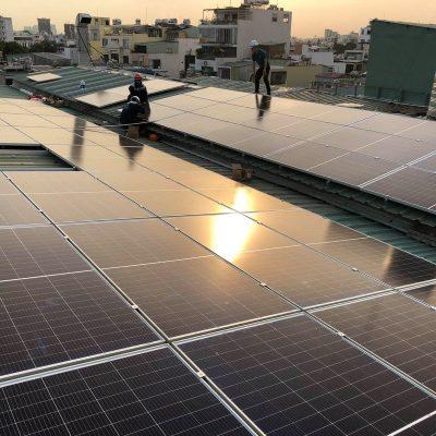 Hệ thống điện Mặt Trời hòa lưới 52 kWp tại Karaoke NNice Phan Xích Long