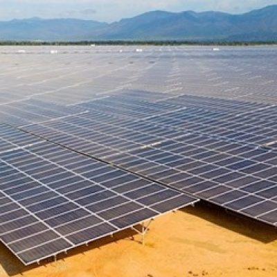 Giá điện mặt trời giảm về hơn 1.640 đồng một kWh